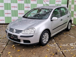 Volkswagen Golf AT